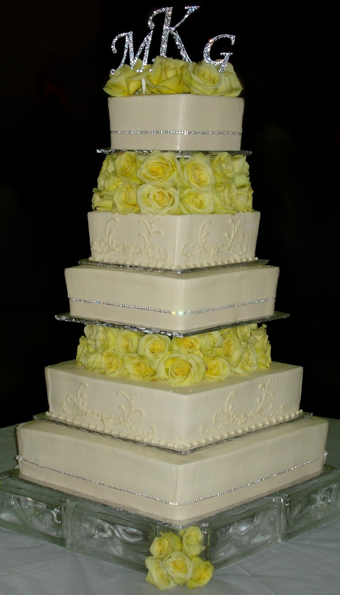 what size wedding cake wedding cakes sugar showcase 27083